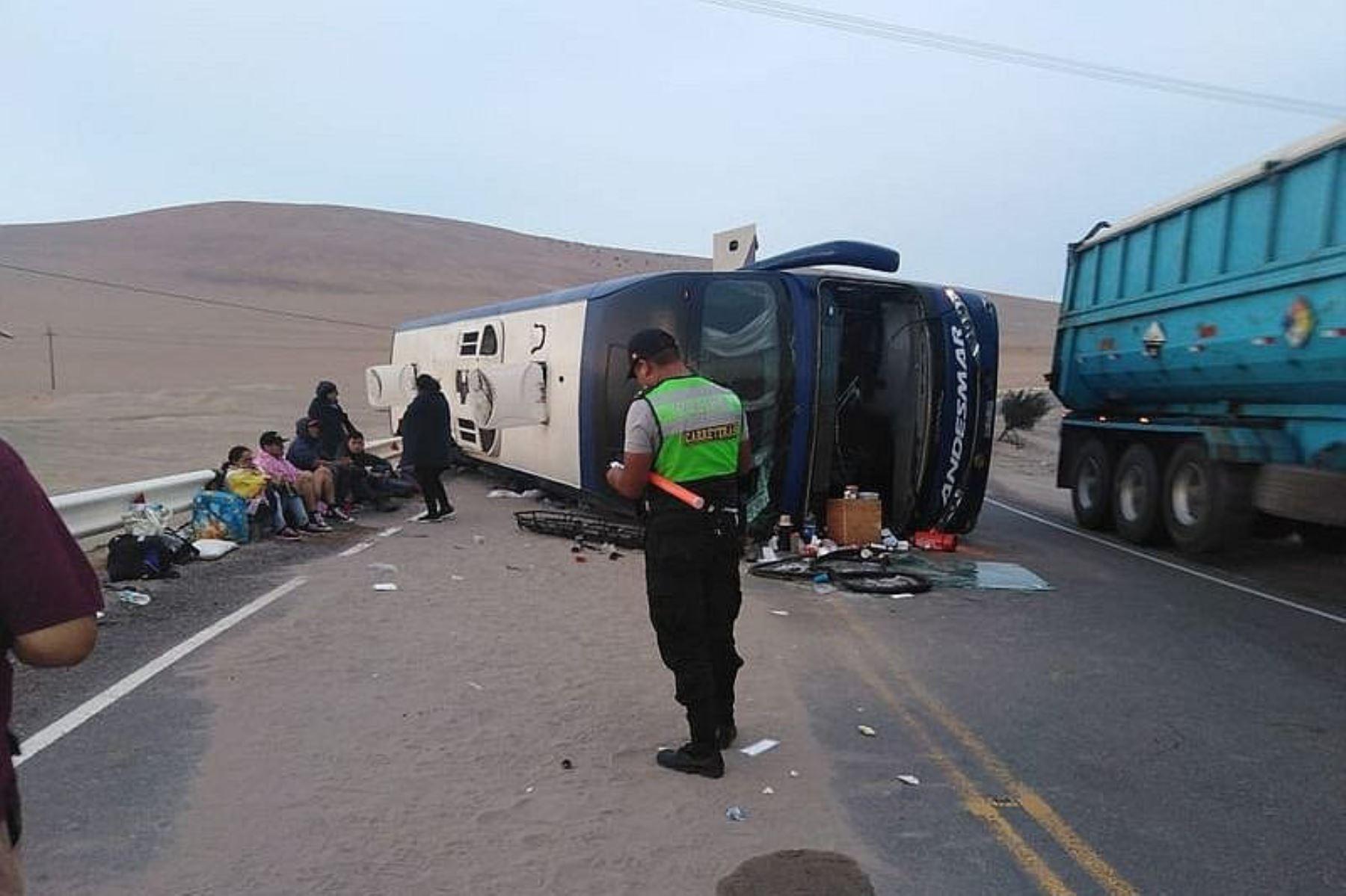 Una persona muere al despistarse un ómnibus en región Arequipa. Foto: radioyaravi.org.pe