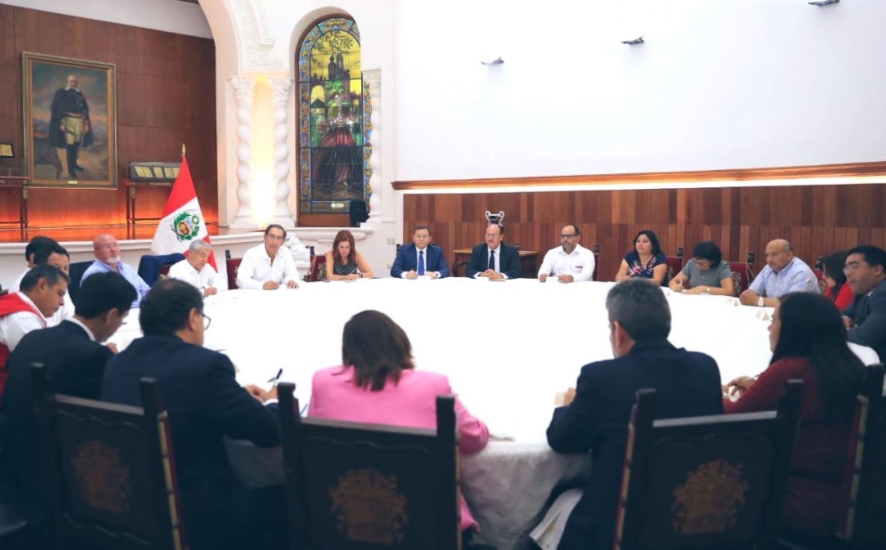 Bancada Peruano por el Kambio (PPK) se reúne con el presidente Martín Vizcarra.