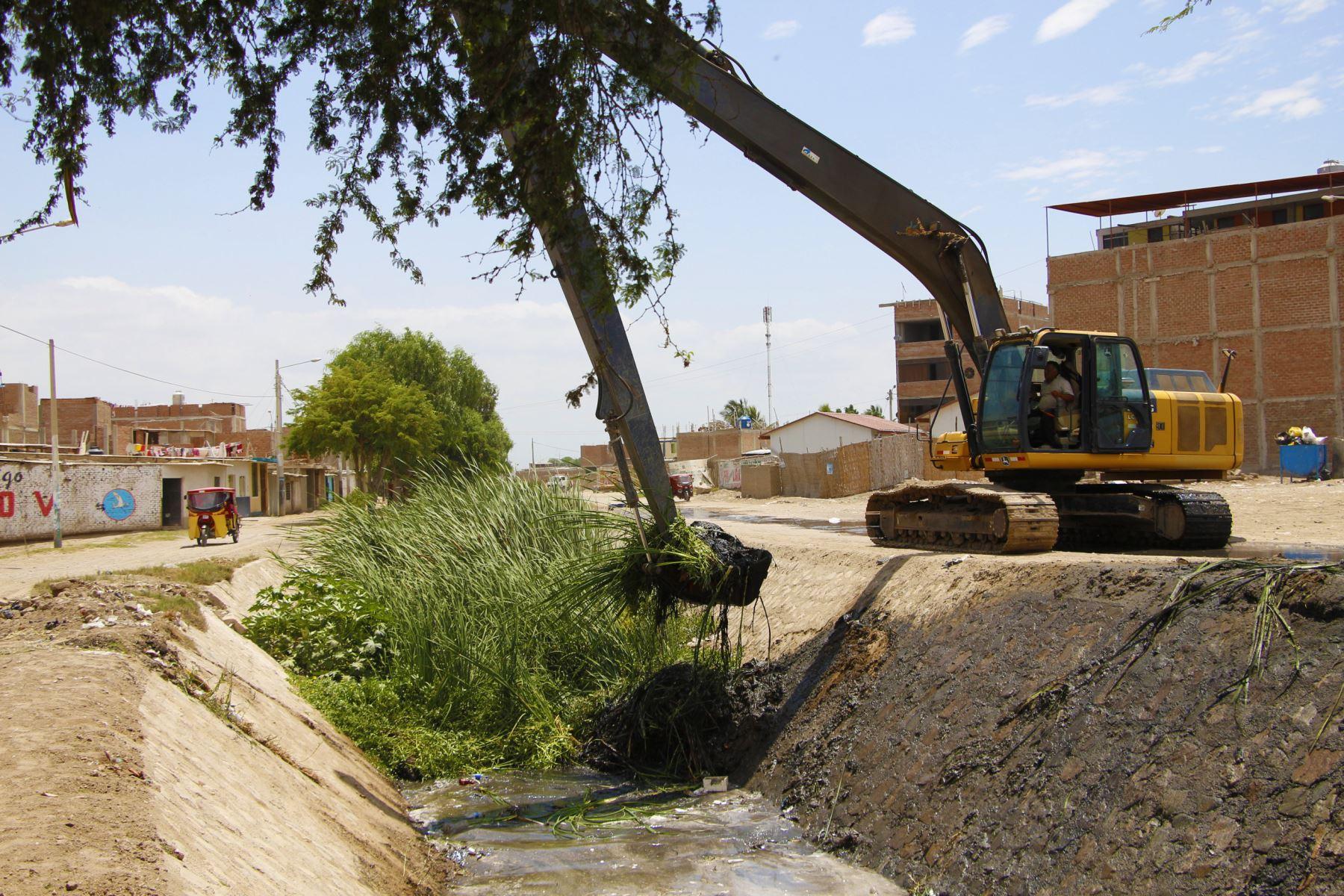 Lambayeque inicia trabajos de descolmatación en canales ante posibles lluvias. ANDINA