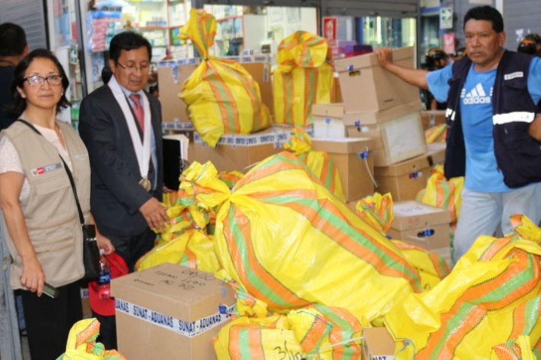 Minsa: intervienen galería comercial donde vendía medicamentos bamba. Foto: ANDINA/Difusión.