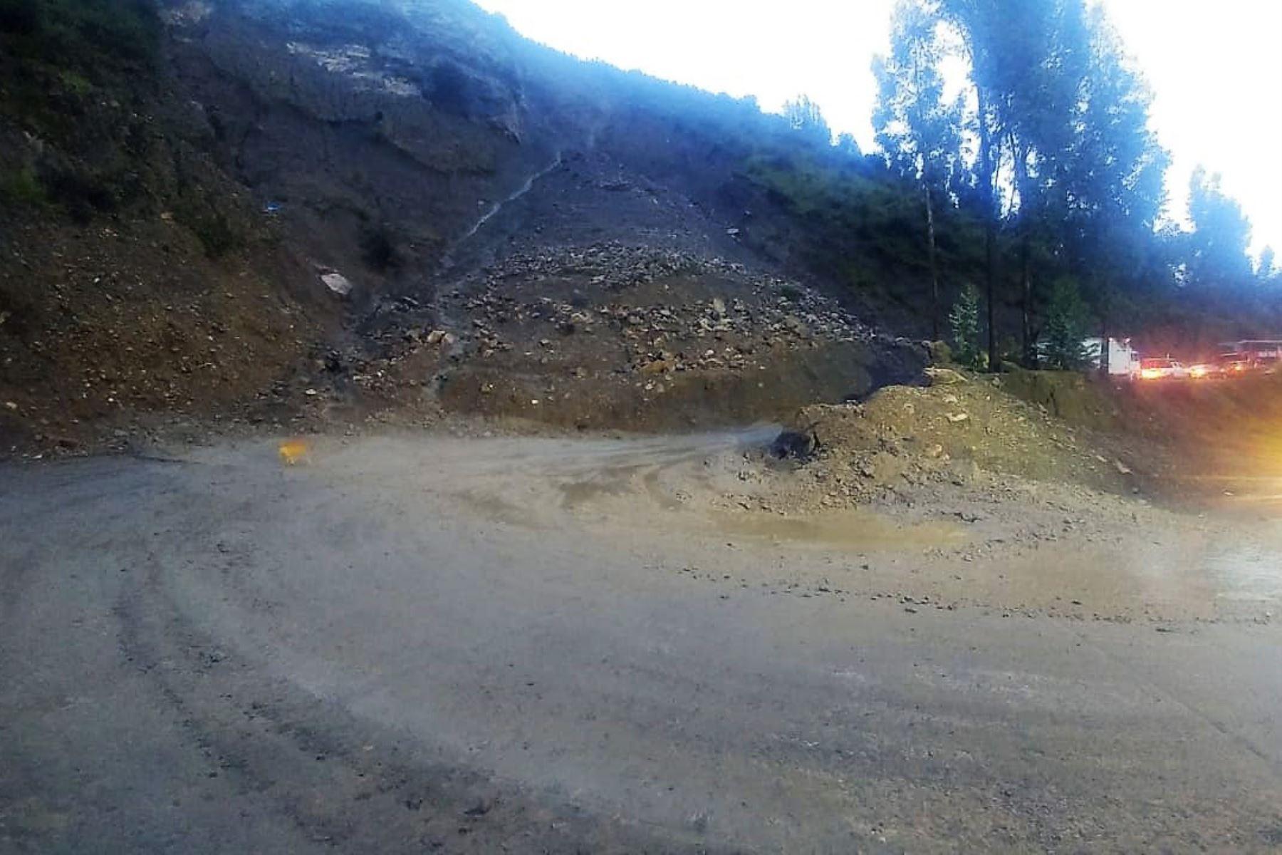 Deslizamientos por lluvias intensas dañan tramos en la vía Chavín–Huari, en Áncash. ANDINA