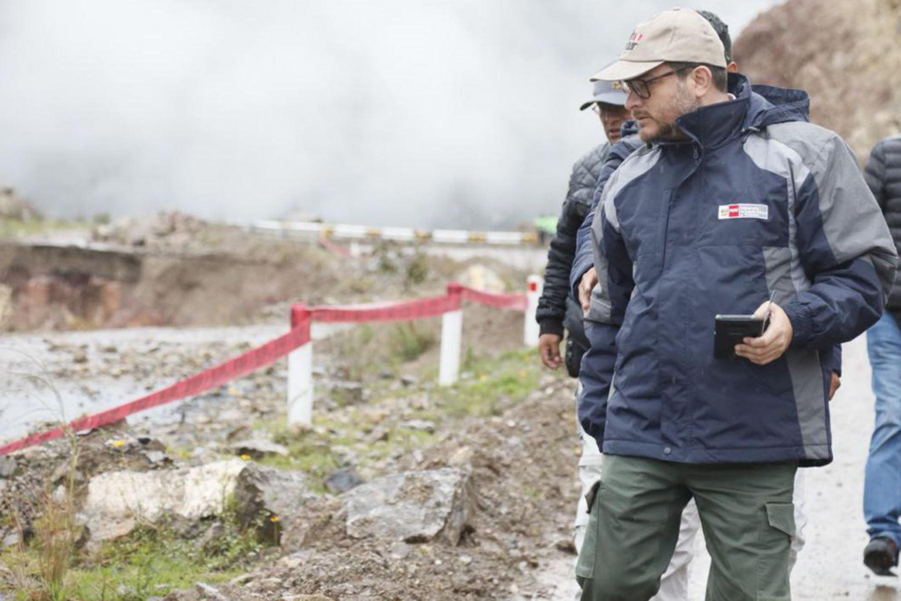 El ministro de Comercio Exterior y Turismo, Edgar Vásquez, sostuvo hoy que, a través del gobierno central, se impulsarán una serie de actividades de prevención para reducir cualquier afectación que ocurriera en la región Huancavelica, durante la época de lluvias.