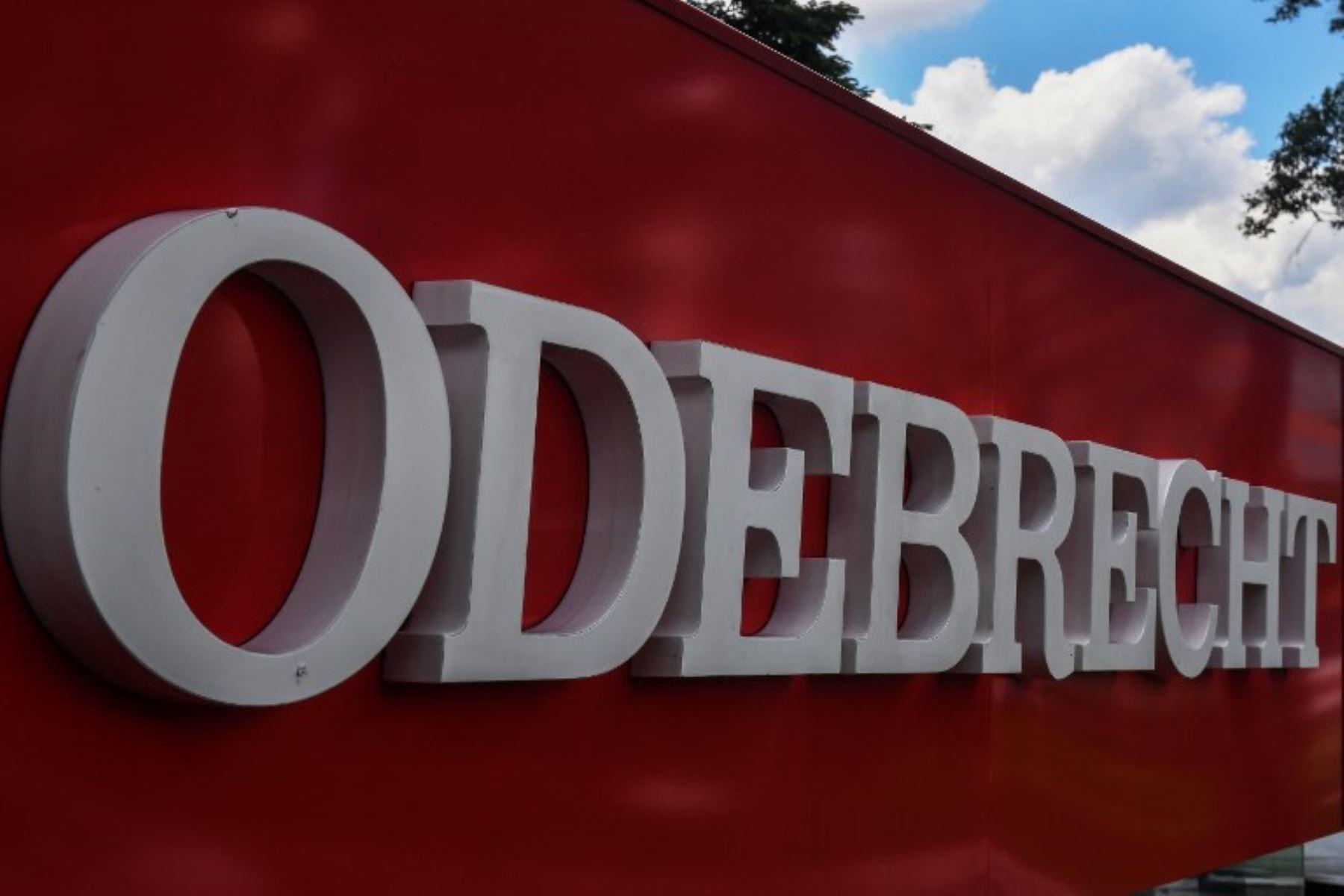 El presidente de Perú afirma que acuerdo con Odebrecht era