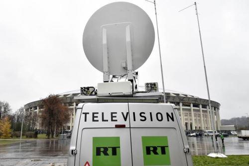 """Una furgoneta del canal de televisión """"RT"""" en Rusia. Foto: AFP."""