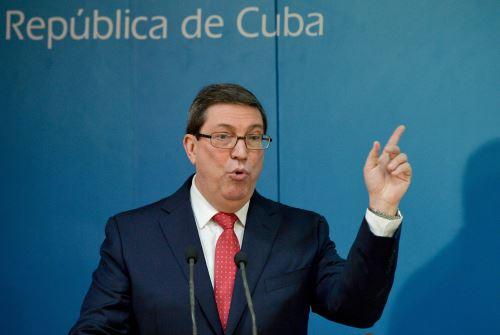 El ministro de Relaciones Exteriores de Cuba, Bruno Rodríguez, da una conferencia de prensa. Foto: AFP.