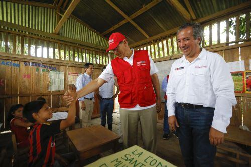Presidente Martín Vizcarra inspeccionó IE 60957 Santa Ana de Muyuy R. Amazonas