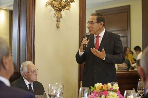 Presidente Vizcarra destacó el legado  del líder histórico del PPC, Luis Bedoya Reyes, quien cumple hoy 100 años de edad