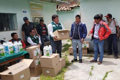 Entregan ayuda a agricultores de Huancavelica afectados por eventos naturales.