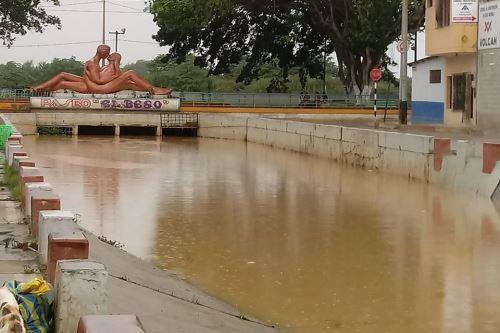 Ejército, PNP y Bomberos permanecen alertas ante desborde de río Tumbes. ANDINA