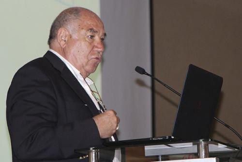 Sarramona expuso en Noveno Congreso Internacional de Educación Encinas 2019. Foto: Cortesía