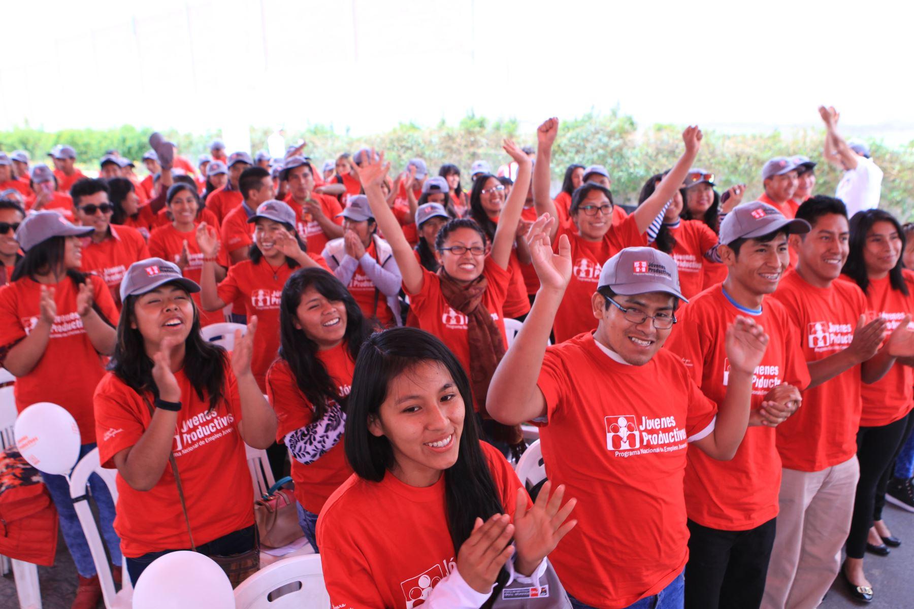 Jóvenes productivos beneficiados por MTPE. Foto: Cortesía