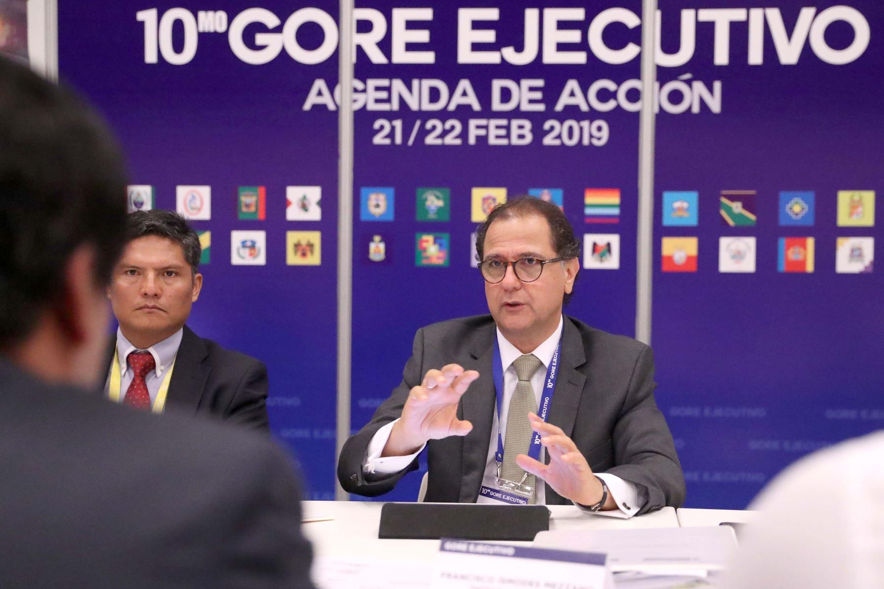 Ministro Francisco Ísmodes durante el GORE Ejecutivo.