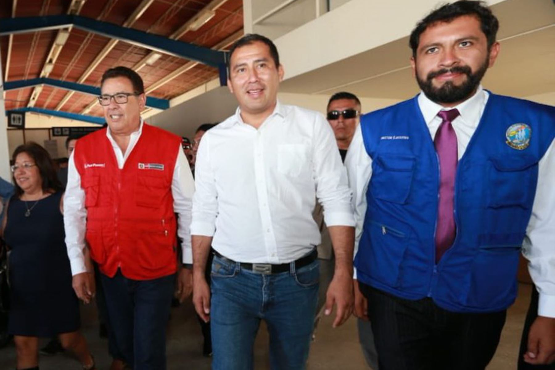 El ministro de Defensa, José Huerta, llegó hoy a Chimbote, en la región Áncash, para coordinar con el gobernador regional, Juan Carlos Morillo, y los alcaldes las acciones de prevención y atención de emergencias ocasionadas por lluvias y huaicos en la región.