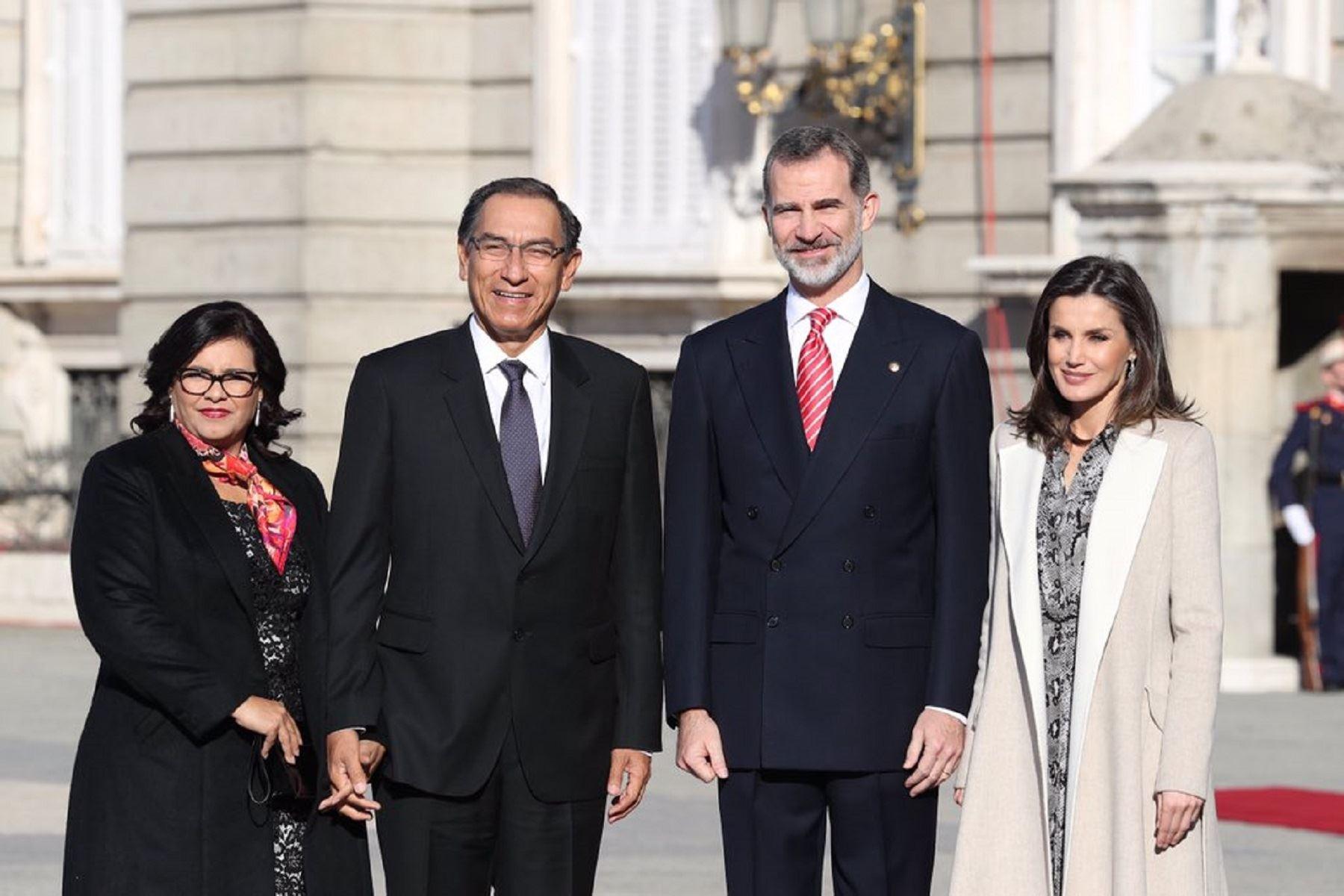 Presidente de la República, Martín Vizcarra, recibido por el Rey de España, Felipe VI. Foto: Casa Real.