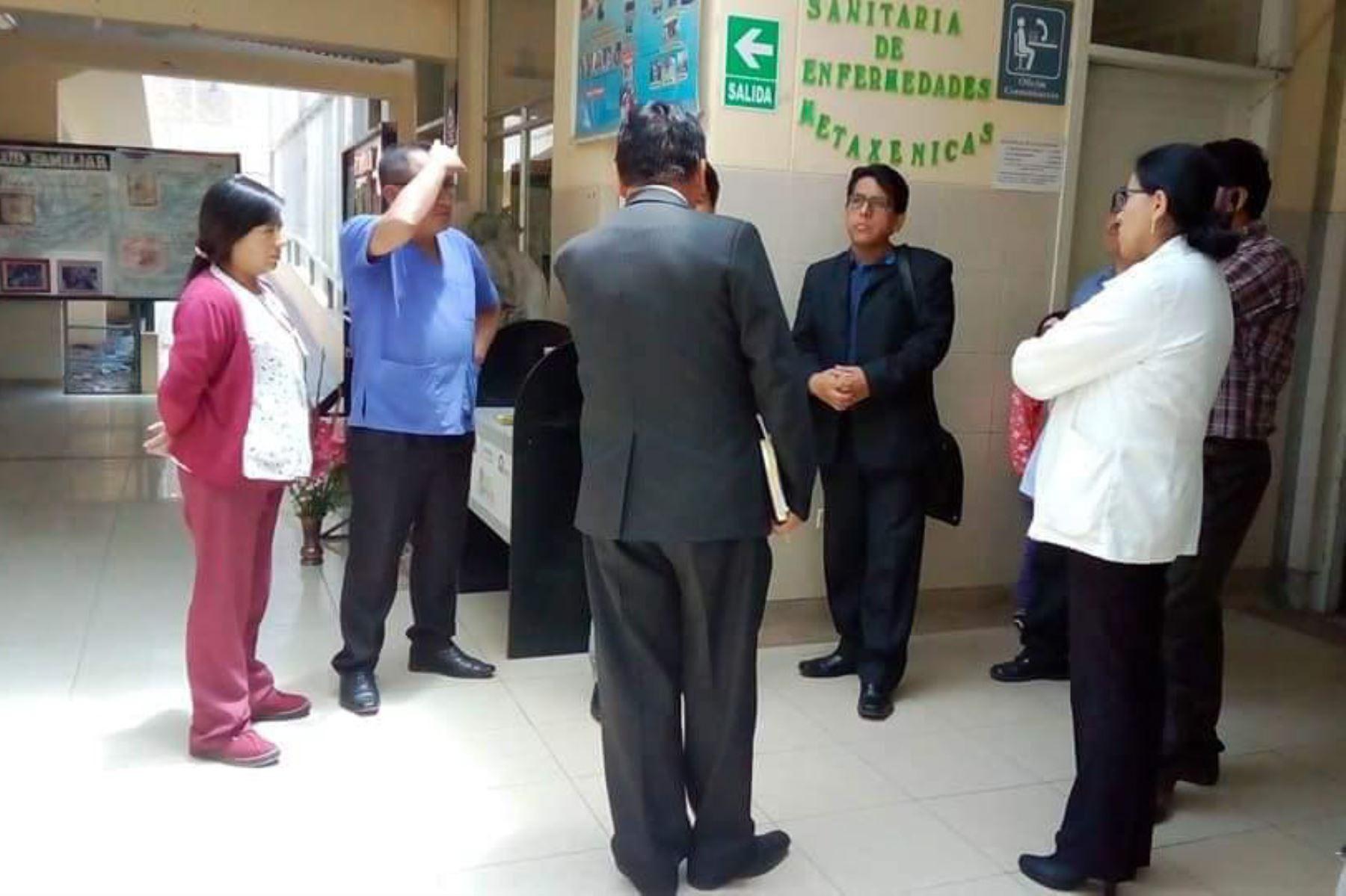 Autoridades del Cusco inspeccionaron daños en centro de salud de la provincia de Calca por lluvias intensas.