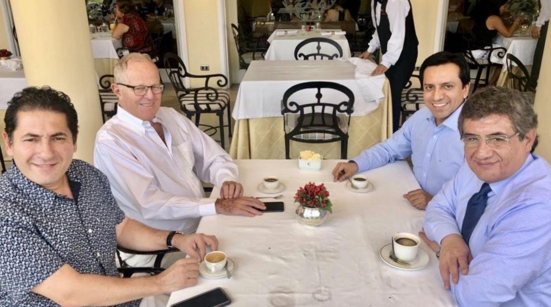 Expresidente Kuczynski se reunió con congresistas y dirigentes del Partido Peruanos por el Kambio.