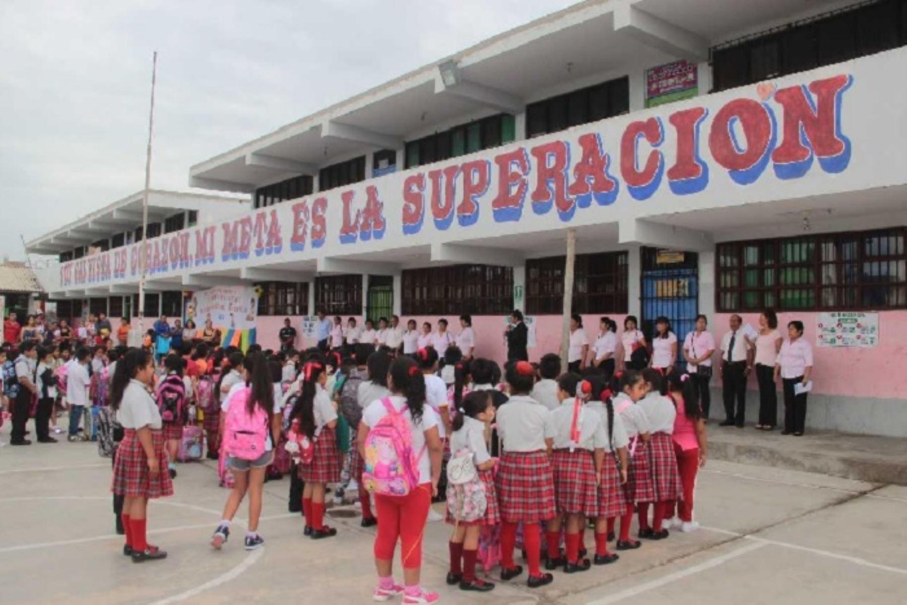 Ante los deslizamientos ocurridos y las lluvias intensas que afectaron las vías de acceso a los locales escolares, la Unidad de Gestión Educativa Local (UGEL) de la provincia de Pomabamba, en Áncash, suspendió las labores educativas entre el 25 y 29 de marzo, retomándose estas a partir del 1 de abril, a fin de salvaguardar la integridad de alumnos y docentes.ANDINA/Difusión