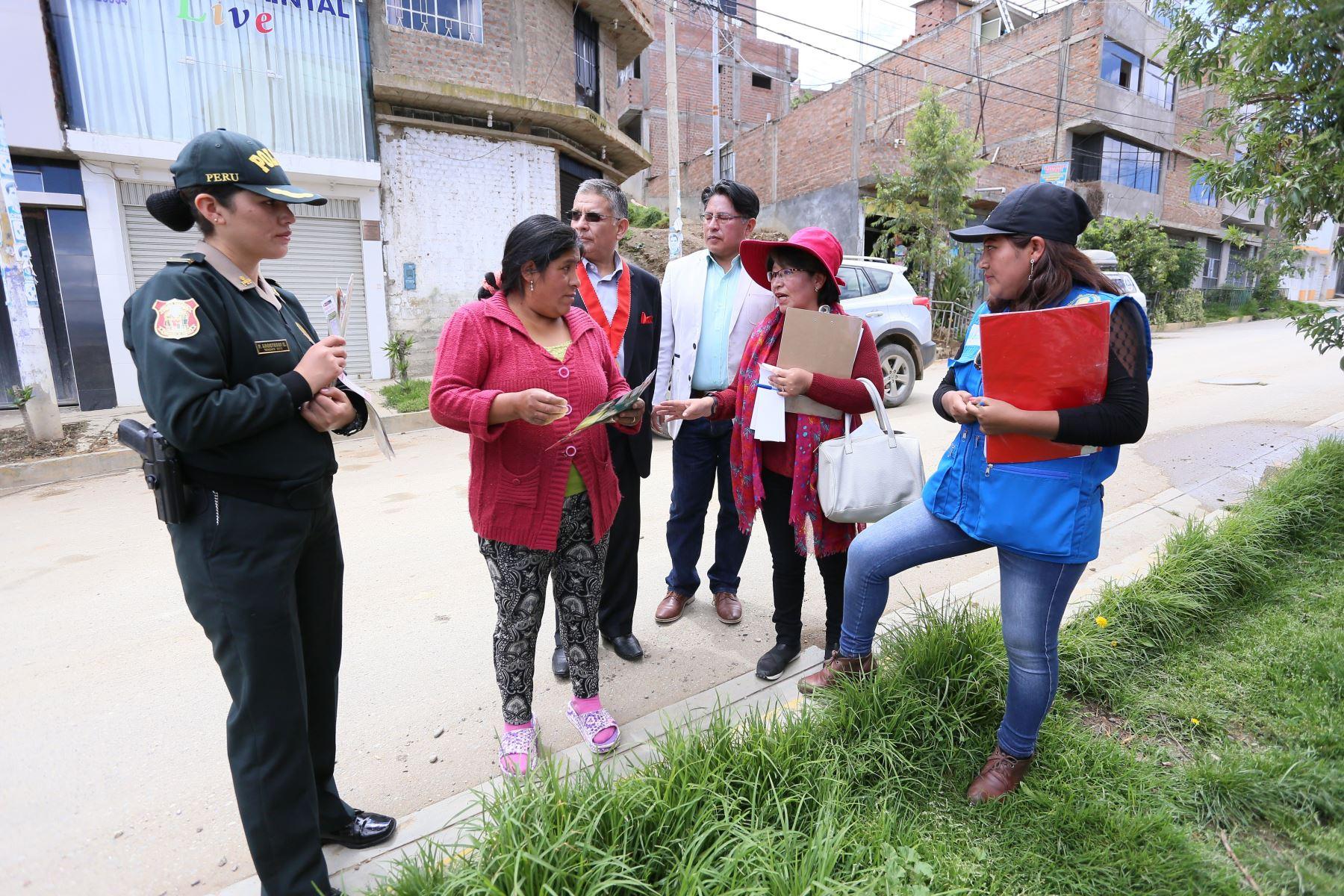 Autoridades de Junín impulsan campaña de sensibilización contra la violencia familiar en Huancayo. ANDINA/Pedro Tinoco