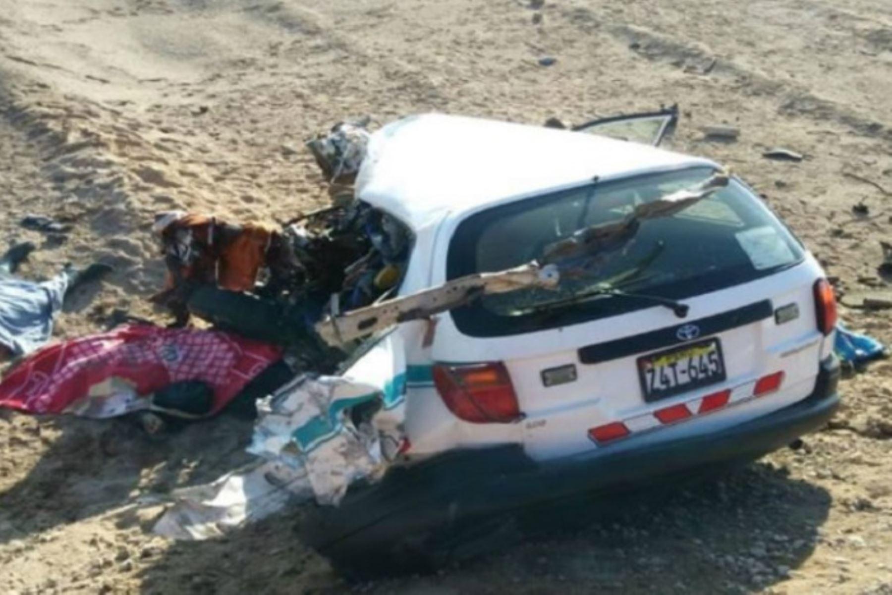 Un choque frontal ocurrido en el kilómetro 1197.300 de la carretera Panamericana Sur, en la región Moquegua, dejó dos muertos y una herida leve, informó la Policía de Carreteras local.