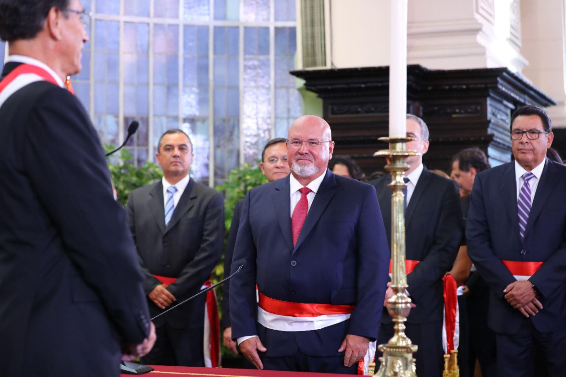 Carlos Bruce juramenta como Ministro de Vivienda. Foto: ANDINA/Prensa Presidencia