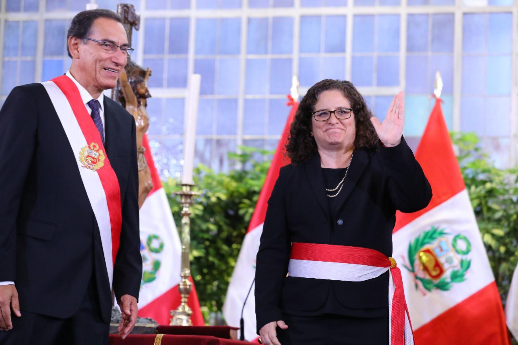 Lucia Ruíz juramenta como ministra del Ambiente. Foto: ANDINA/Prensa Presidencia