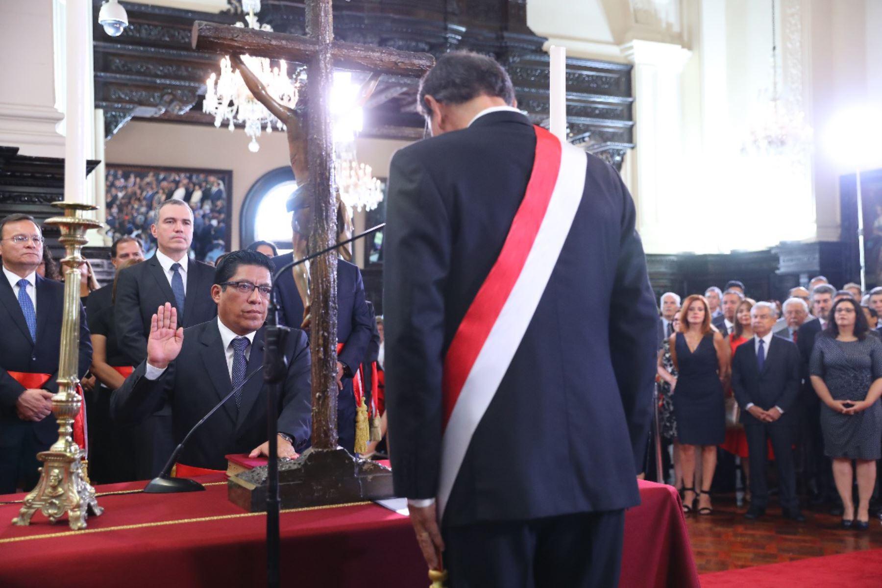 Vicente Zeballos juramenta como ministro de Justicia. Foto: ANDINA/Prensa Presidencia