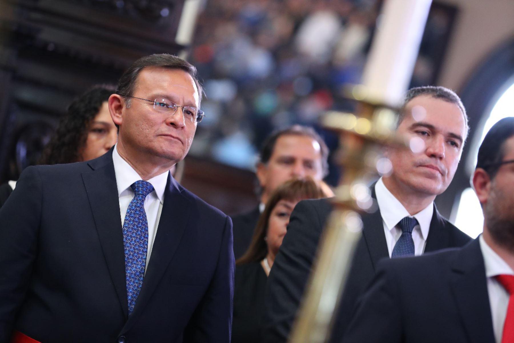 Nestor Popolizio y Salvador del Solar durante la juramentación de nuevo gabinete ministerial. Foto: ANDINA/Prensa Presidencia