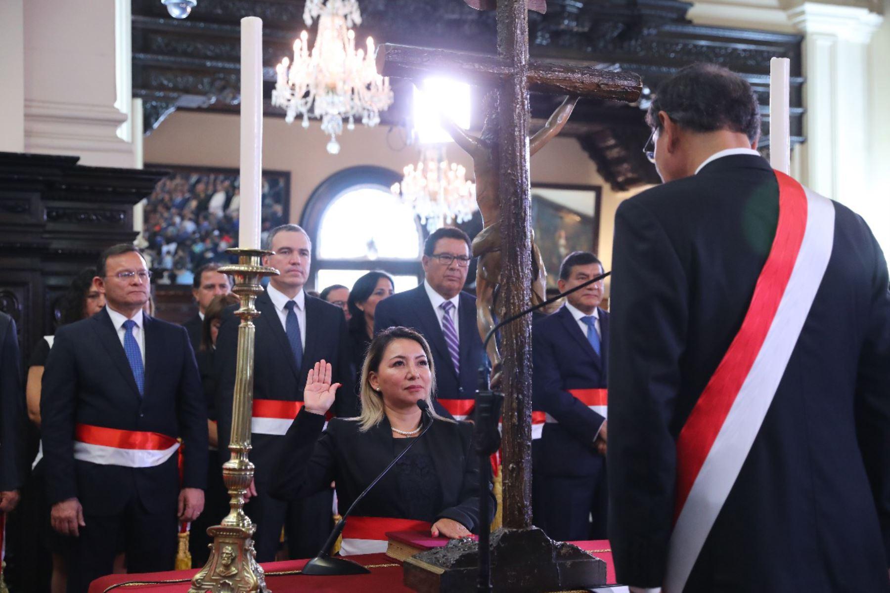 Rocío Barrios juramenta como ministra de la Producción. Foto: ANDINA/Prensa Presidencia