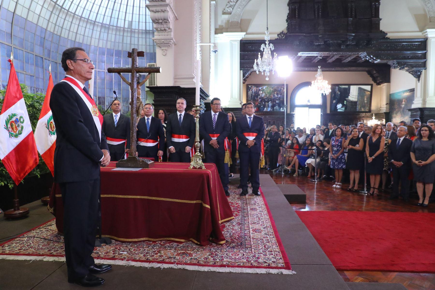 Presidente Martín Vizcarra juramenta al nuevo gabinete ministerial. Foto: ANDINA/Prensa Presidencia
