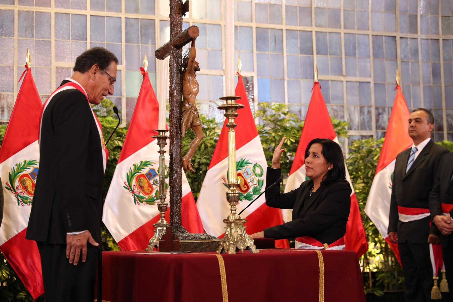 Flor Pablo Medina juramenta como ministra de Educación. Foto: ANDINA/Prensa Presidencia