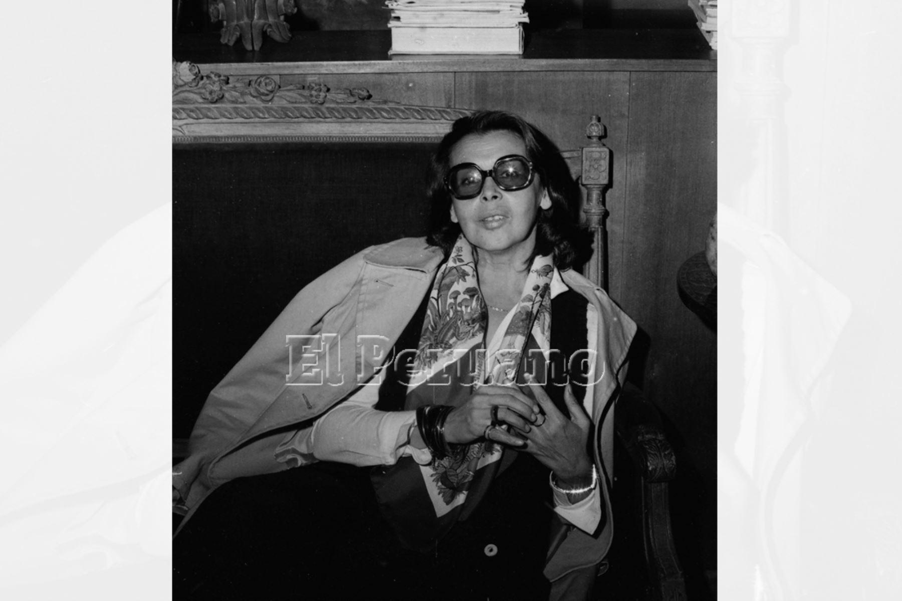Lima - 10 junio 1975. Entrevista a la poeta Blanca Varela para suplemento Mundial de La Crónica. Foto: Archivo diario El Peruano