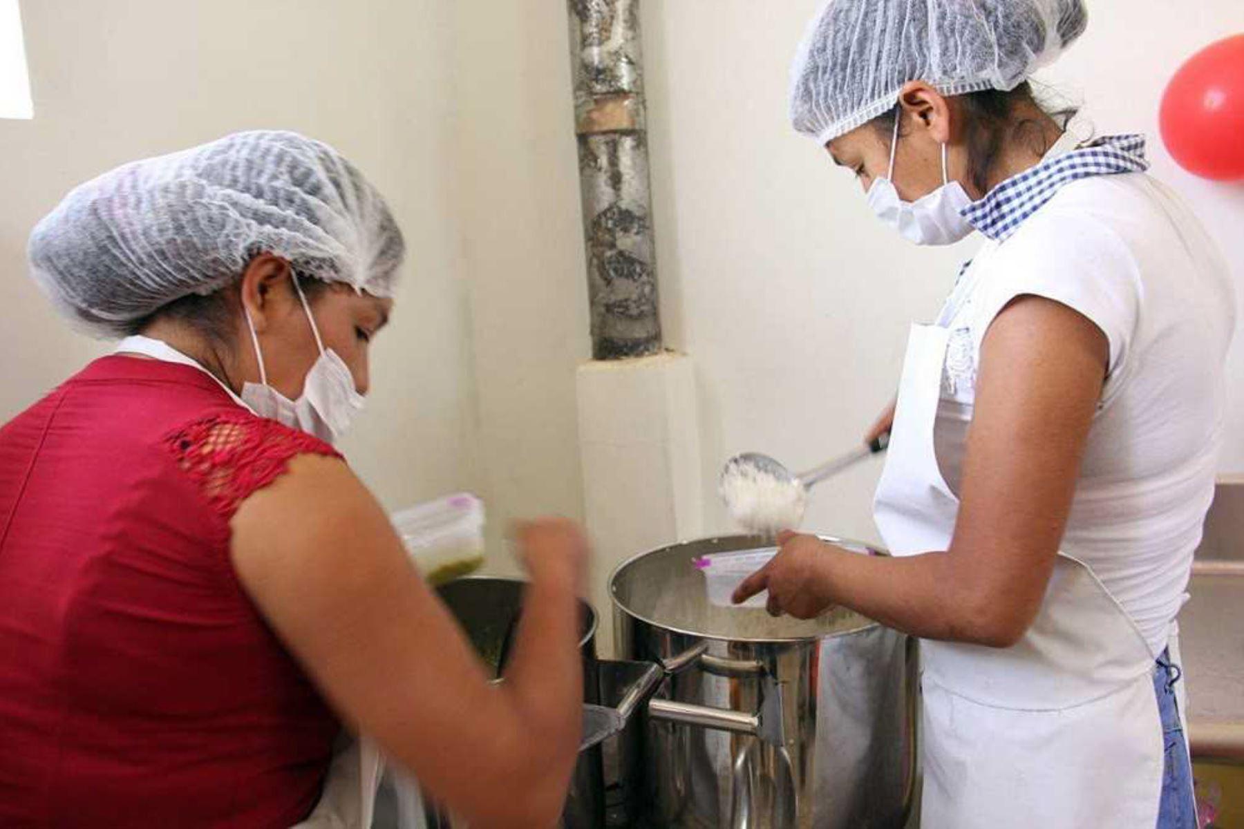 Áncash: preparan desayunos y almuerzos escolares en moderna infraestructura de Foncodes