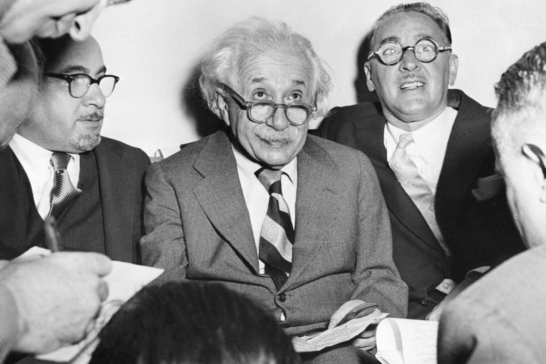 Albert Einstein celebrando su 75 cumpleaños en la Universidad de Princeton, el 15 de marzo de 1954. Foto: AFP