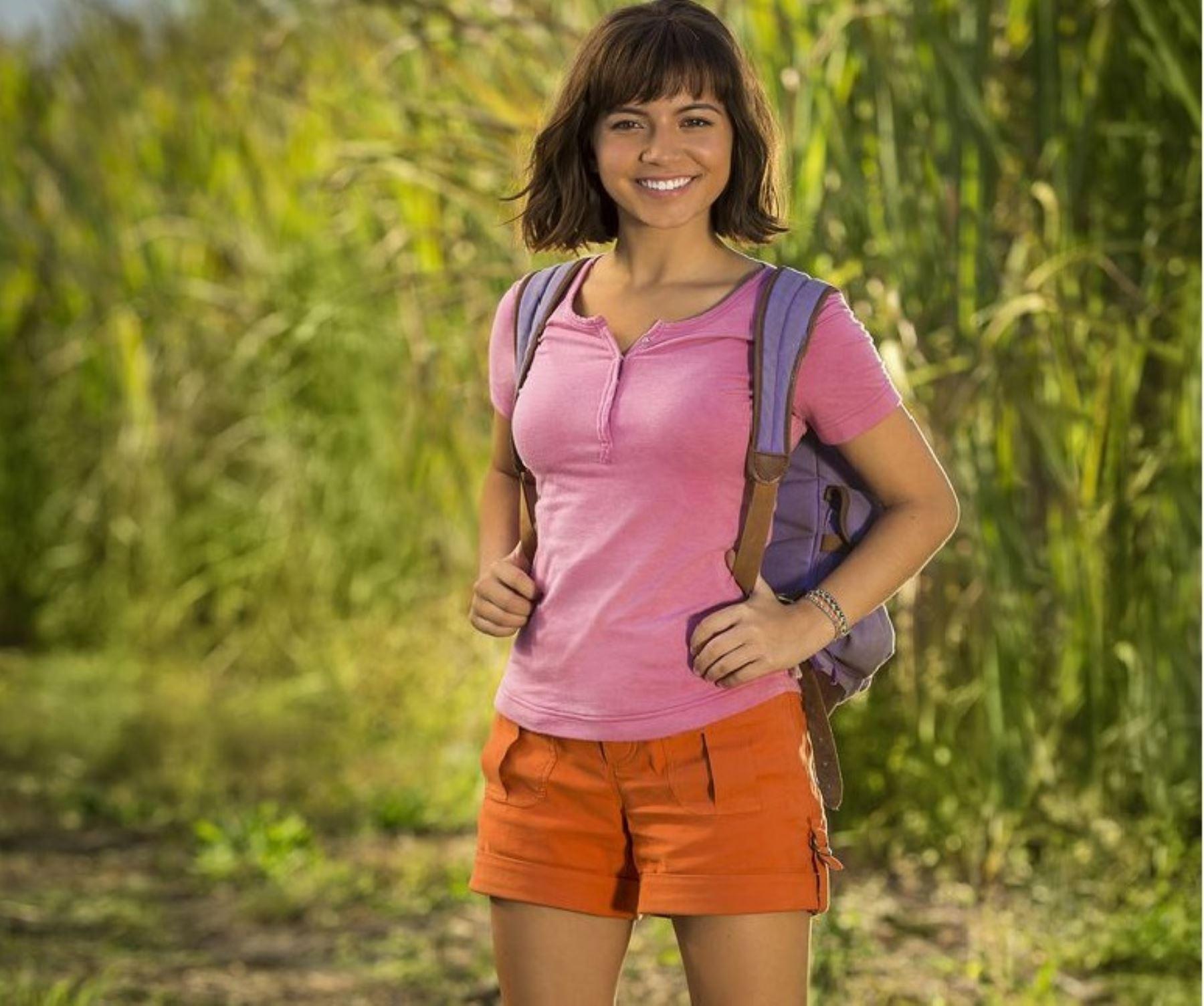 Isabela Moner es Dora, la exploradora.
