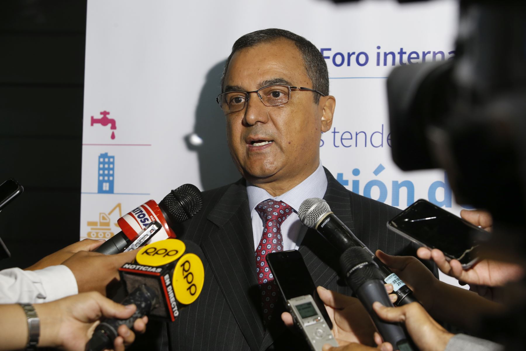 Ministro de Economía y Finanzas, Carlos Oliva.Foto:  ANDINA/Nathalie Sayago