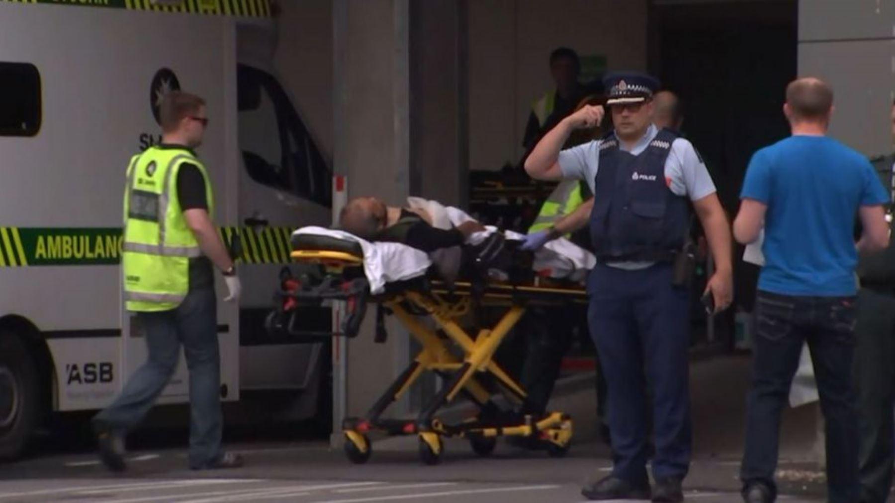 """Tiroteo en mezquitas en Nueva Zelanda dejó """"múltiples víctimas""""."""