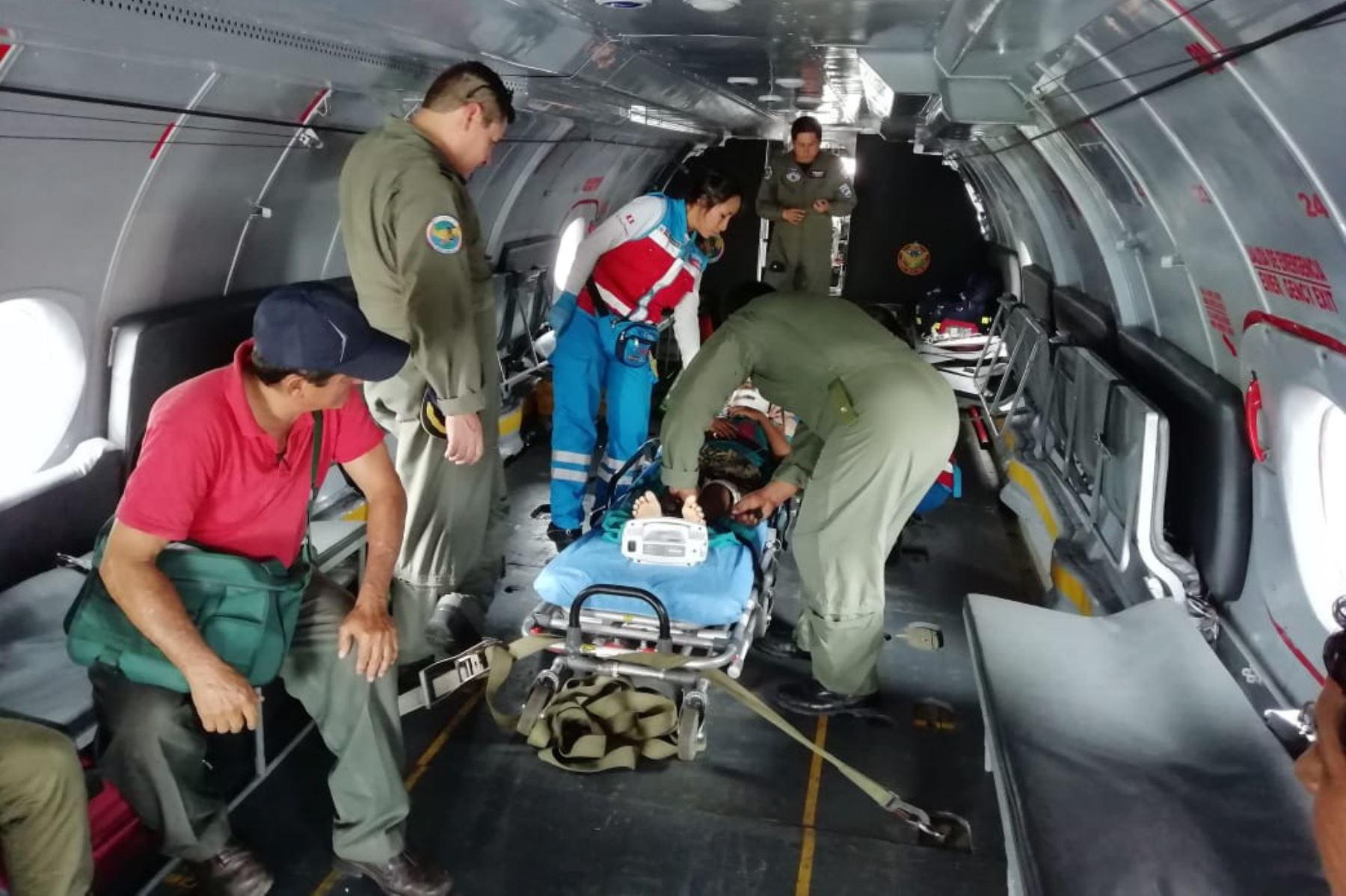 Puente aéreo salva vidas de dos pacientes graves de Yurimaguas, en Loreto. Foto: ANDINA.