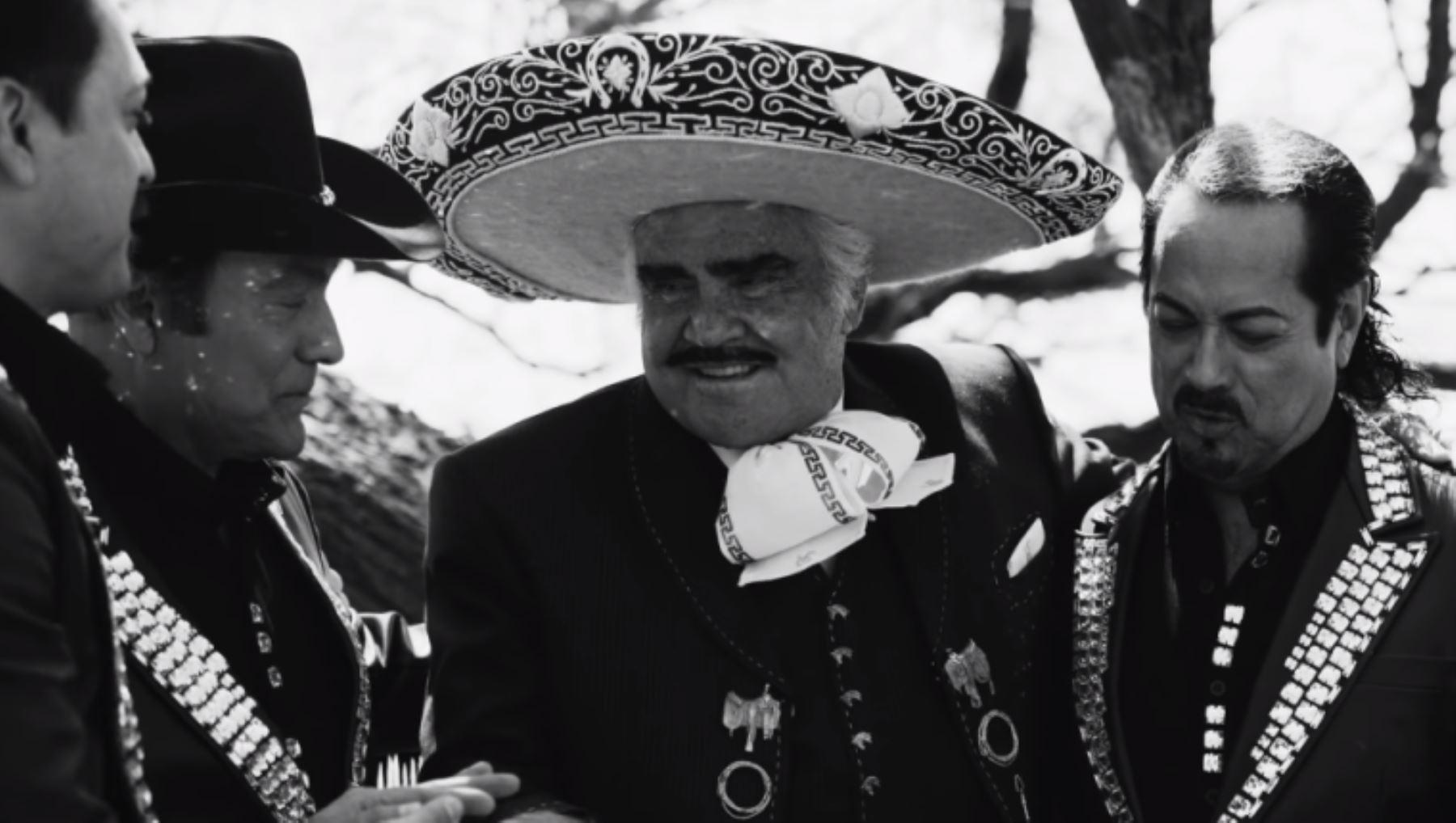 Vicente Fernández recibe hermoso homenaje musical por parte de Los Tigres del Norte.