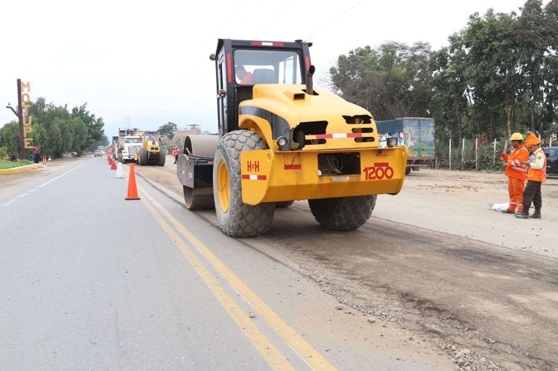 Reconstrucción de la carretera Olmos - Lambayeque. Foto: Cortesía.