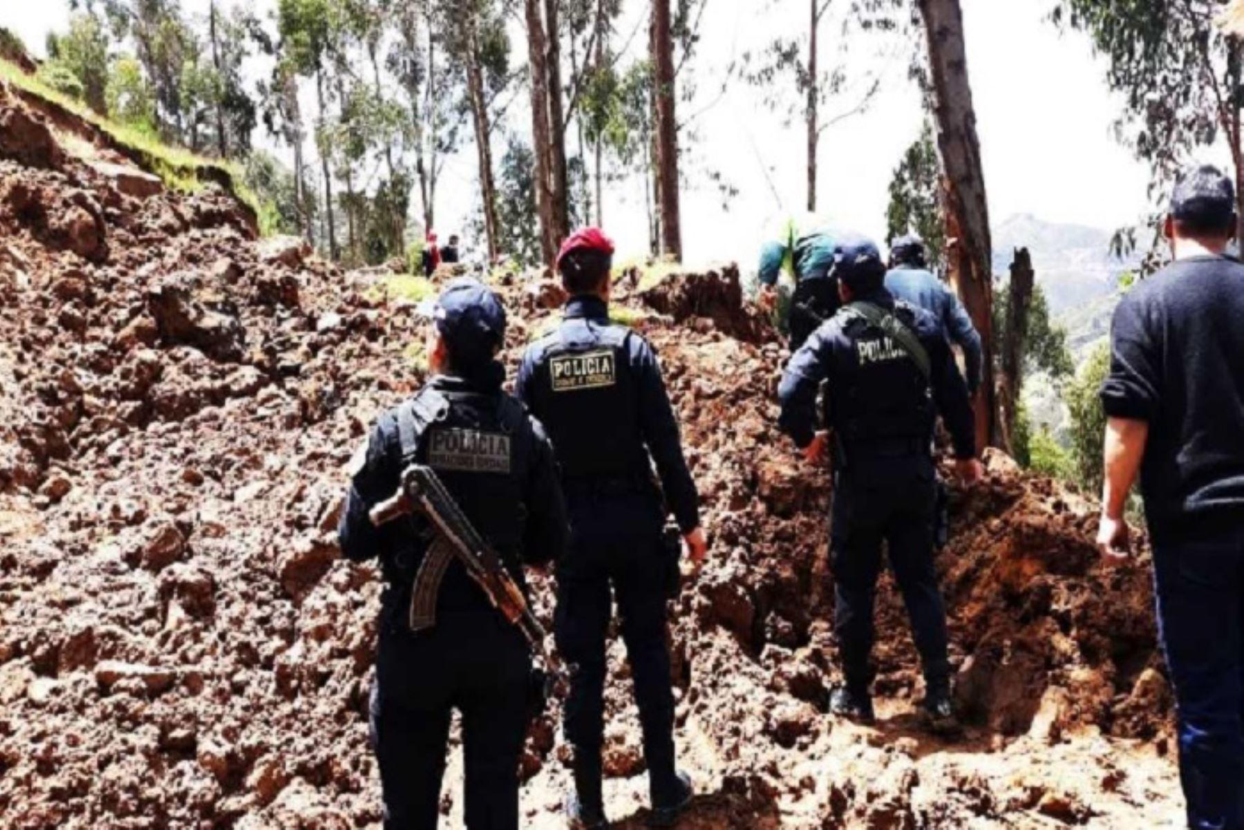 Los huaicos y desbordes que se registran en Pasco, a consecuencia de las intensas lluvias, cobran su primera víctima en esta región, informó la Policía local.