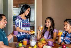 Comer en compañía ayuda a reducir probabilidad de tener sobrepeso. Foto: ANDINA/Difusión.