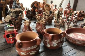 El Ministerio de Cultura declaró Patrimonio Cultural de la Nación a los conocimientos, saberes y prácticas relacionadas a la elaboración de la cerámica tradicional de Quinua, en el distrito del mismo nombre de la provincia de Huamanga, departamento de Ayacucho.