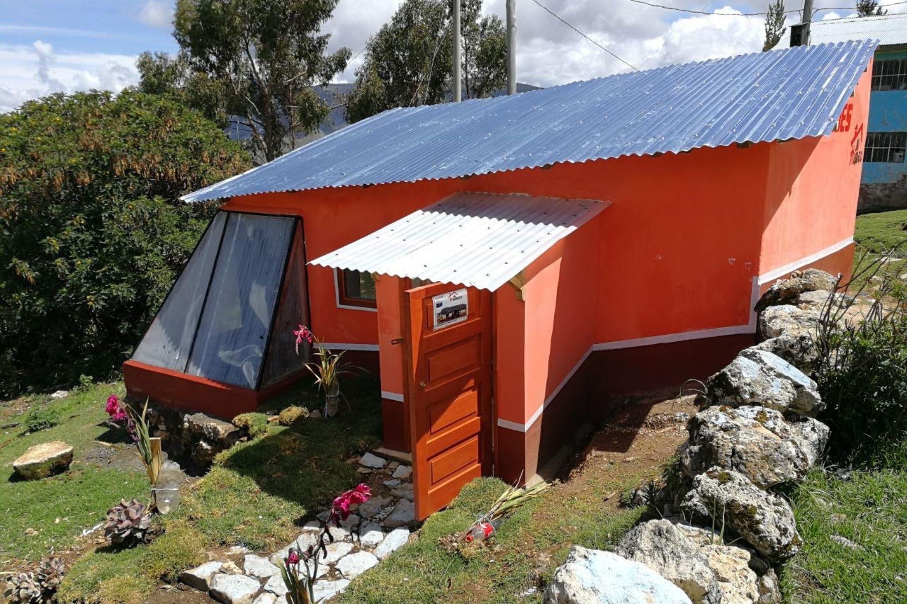 Pasco se prepara para enfrentar las heladas con entrega de viviendas térmicas. ANDINA/Difusión