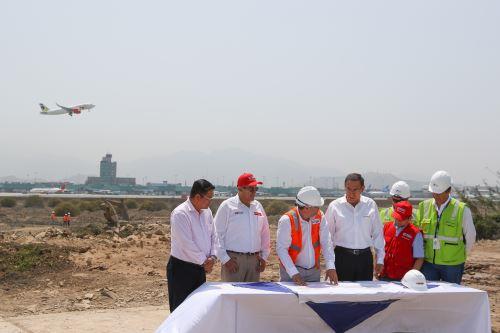Presidente Vizcarra supervisa construcción de la ampliación del Aeropuerto Internacional Jorge Chávez
