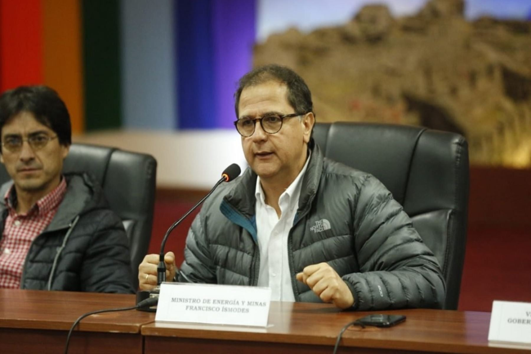 Ministro de Energía y Minas, Francisco Ísmodes.
