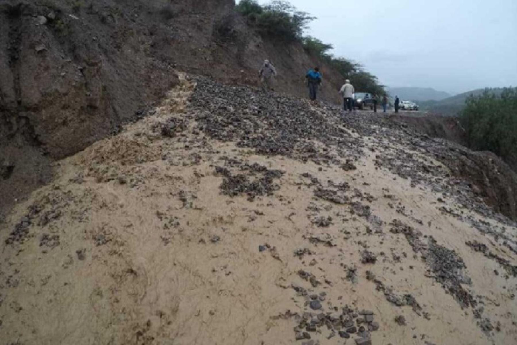 Lluvias intensas provocaron el colapso de por lo menos 50 metros lineales de la plataforma en la vía Conchucos – Pampas, en el distrito de Conchucos, provincia de Pallasca, región Áncash.
