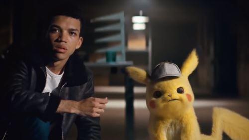 Justice Smith tuvo un rol en la cinta Pikachu.