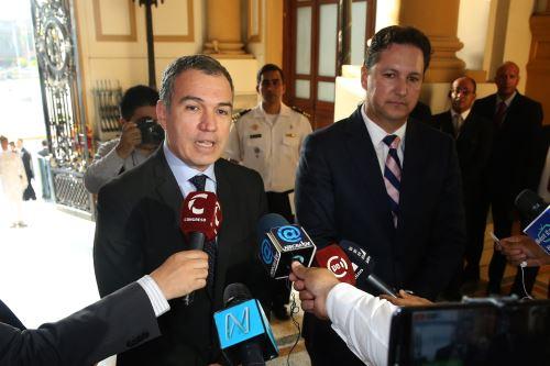 Premier Salvador del Solar se reúne con Daniel Salaverry en el Congreso