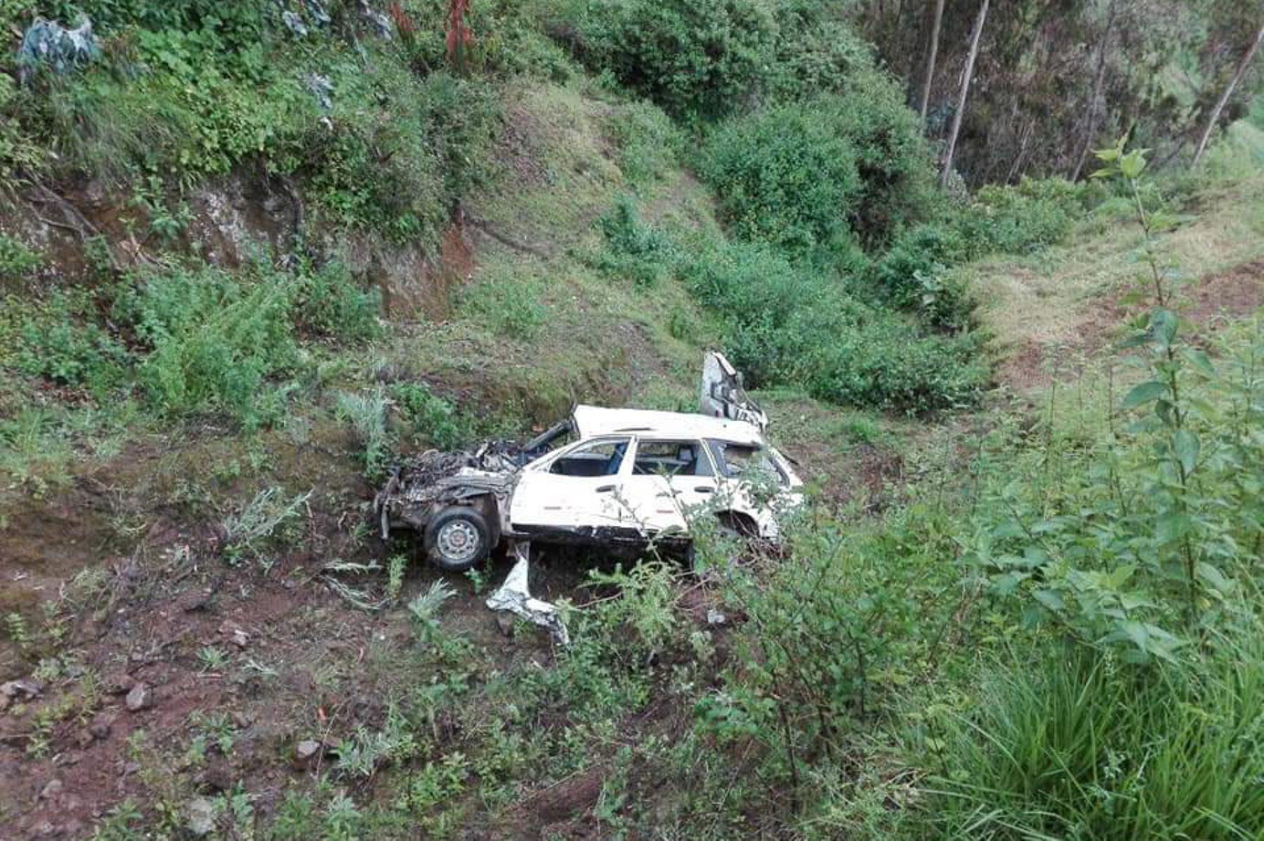 Una camioneta Station Wagon se desbarrancó en la zona conocida como Upianca, en la carretera del sector de San Juanito, en la provincia ancashina de Huaylas.