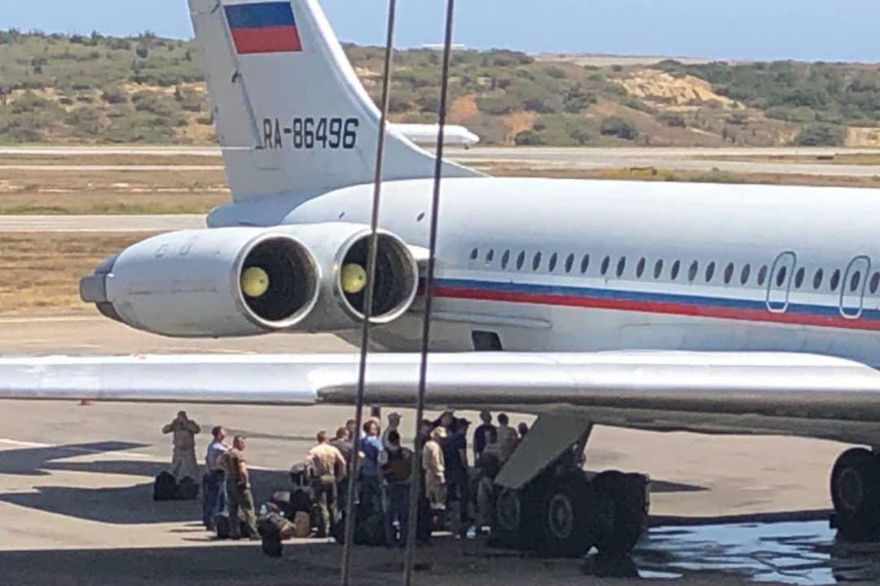 Aviones de la Fuerza Aérea Rusa arribaron en el aeropuerto internacional de Maiquetía. Foto: @TachiraNoticias/Twitter